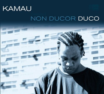 Capa do novo trabalho do MC Kamau, Non Ducor Duco