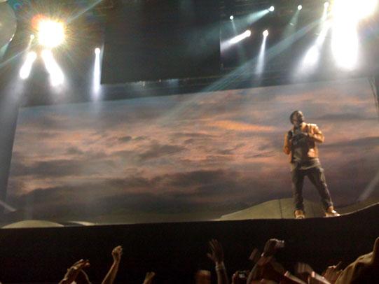 Kanye West no show do TIM Festival em SP (retirado do site +Soma)