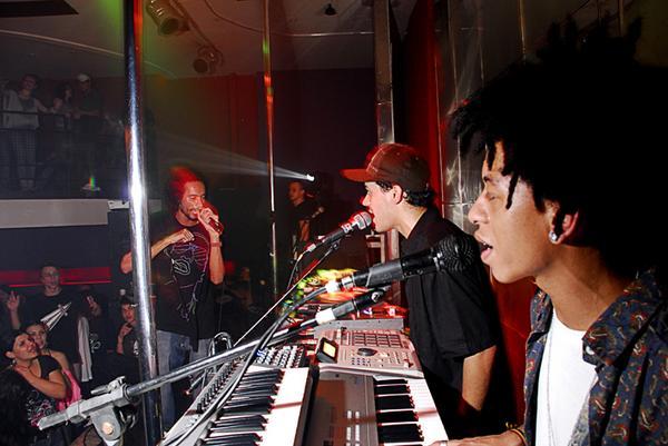 Slim à esquerda, Thiago Beatbox e Philip