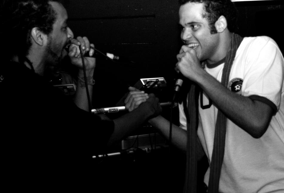Max B.O e MC Crespo em show no Zoeira Hip Hop (by Elza Cohen)