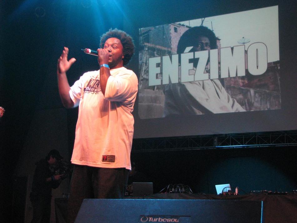 O MC Enézimo representouo rap do ABC Paulista (E. Ribas)