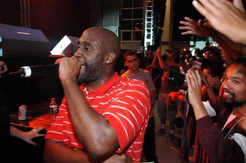 O MC Posdnuos, do De La Soul, no palco do Indie em 2006