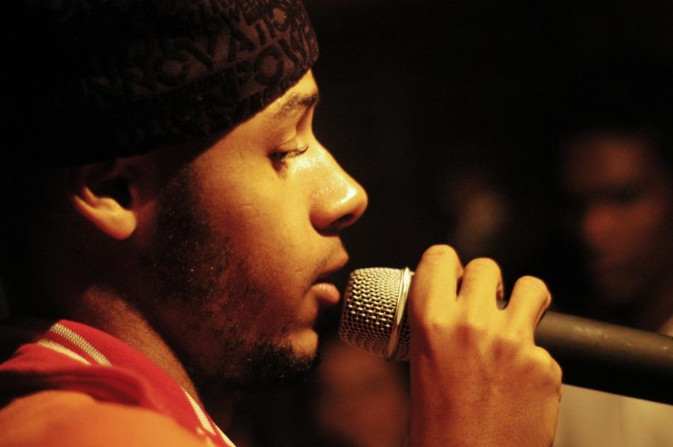 Em 2008, Emicida participou dos discos do Kamau e do Pentágono