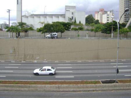 """Arte de Eduardo Kobra na Av. 23 de Maio """"antes"""""""