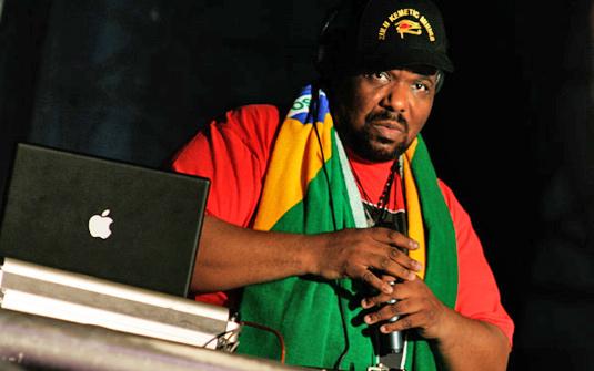 Afrika Bambaataa foi uma das atrações do palco rap em 2008 - Daigo Oliva