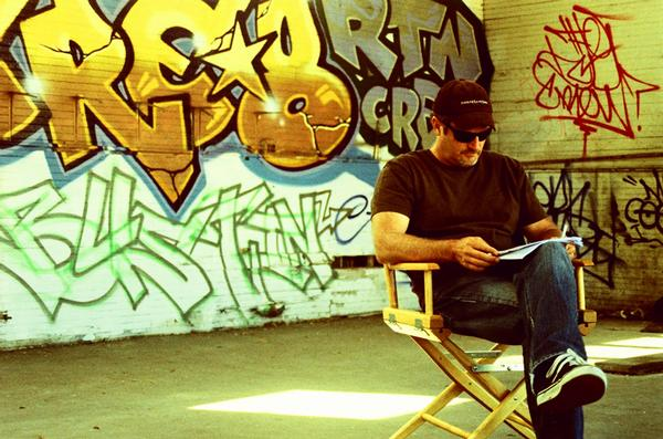 O documentário é dirigido pelo eterno Z-Boy, Stacy Peralta
